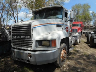 Mack Salvage Yard C Amp H Truck Parts