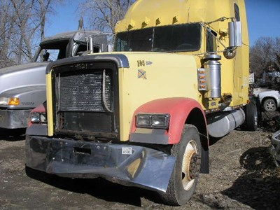 Sioux City Ford >> Freightliner | Salvage Yard | C&H Truck Parts