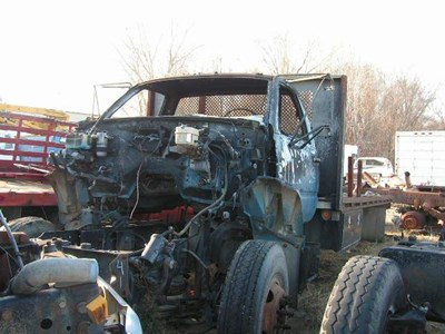 Gmc Salvage Yard C H Truck Parts